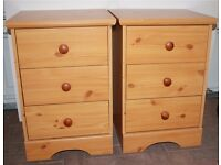 2 bedside drawers / tables – pine effect - each drawer with 3 drawers Good condition