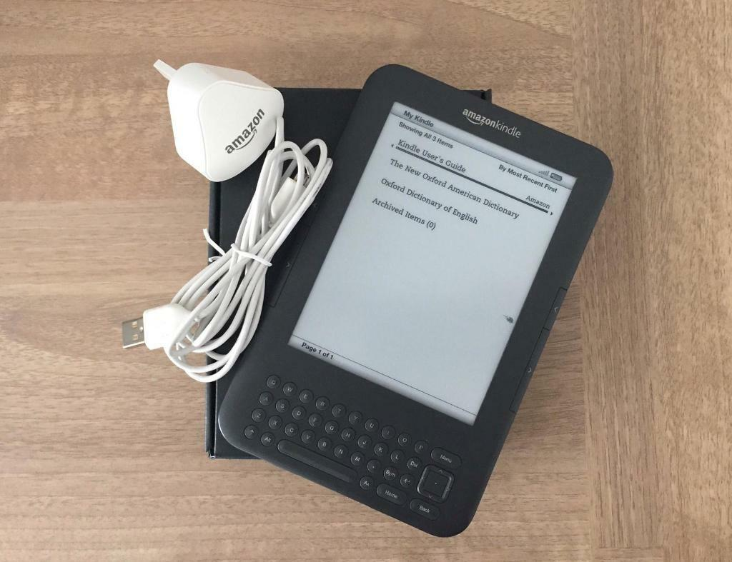 Amazon Kindle & Charger | in Airdrie, North Lanarkshire | Gumtree