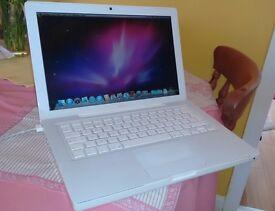 "Apple MacBook ""Core Duo"" 2.0 13"" (White)"