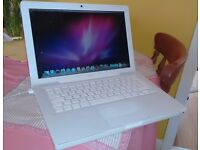 "Apple MacBook ""Core Duo"" 2.0 13"" (White)"