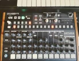 Arturia Drumbrute drum machine hardly used