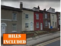 Large 5-BED house within easy walking distance to University and local shops. BILLS INCLUSIVE