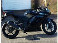 Beautiful Spark Black metallic Kawasaki Ninja 250R - best colour for this bike
