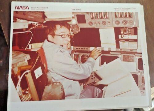 Vintage NASA Astronaut John W. Young Photo S81-30419 Free Shipping