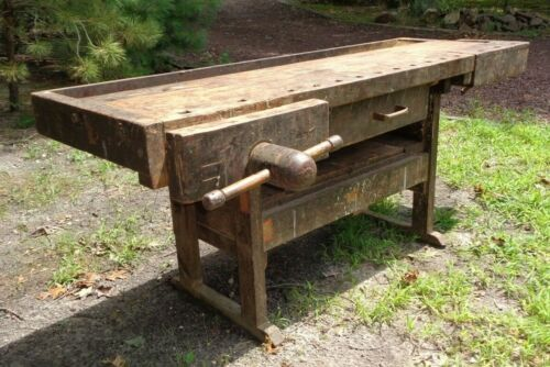 ANTIQUE CARPENTER