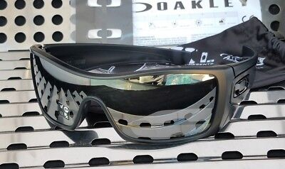 New Oakley BATWOLF Sunglasses 9101-35 Matte Black Ink w/Black Iridium Polarized