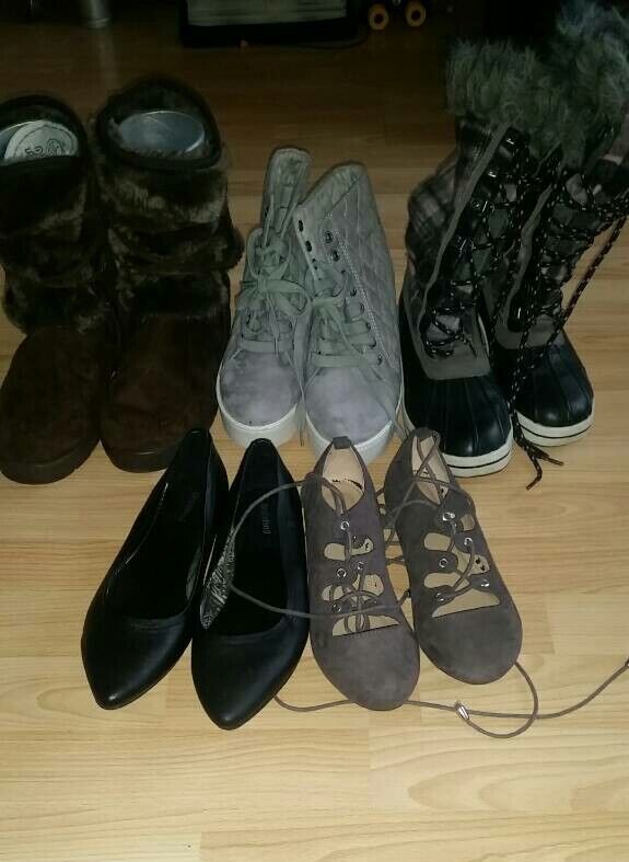 Various size 5 shoes and boots