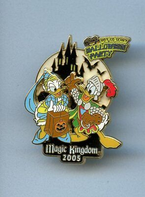Disney Not Scary Halloween Party Princess Daisy & Sir Knight Donald Duck LE Pin - Scary Princesses