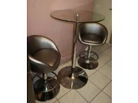 Dinning table / breakfast table with stools