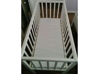 Cot / crib with mattress