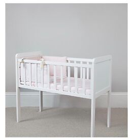 Mother Care Hyde Crib & Air Flow Matress