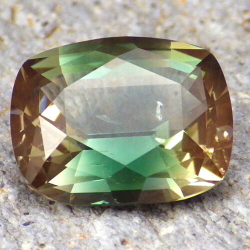 ** 50% OFF SALE **PEACOCK GREEN-BLUE OREGON SUNSTONE 5.63Ct FROM PANA MINE,VIDEO