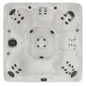 EDMONTON'S SPOT FOR SPAS! Maax Spas 380 Hot Tub