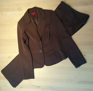 Complet tailleur brun taille 6