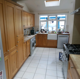 Bargain- Used Howdens Solid Oak Worktops and Shaker Kitchen, used for sale  Newbury, Berkshire
