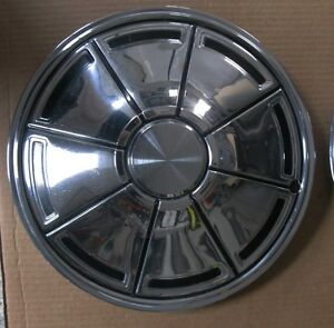 5 Hubcaps from 1970's Dodge Mopars dusters etc