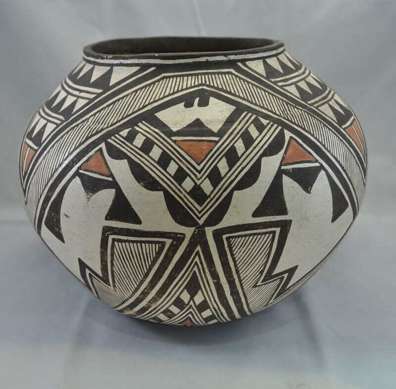 Important Historic Period Antique Zuni Polychrome Pottery Olla C1890-1920