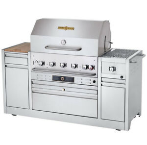 CROWN VERITY OUTDOOR GRILL STATION