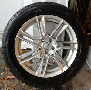 JAGUAR/ ford Escape 2013-2018   pneus d'hiver  (245-50-18)  Bol