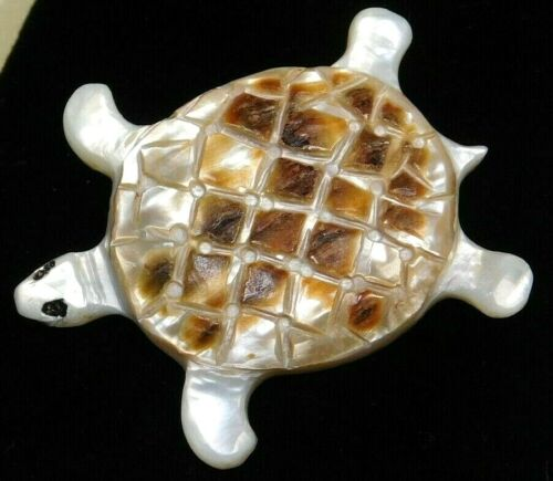 Antique Vtg BUTTON Large Carved Pearl Shell TURTLE Nice!