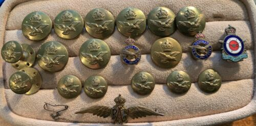 WWII RAF Lot - pins, buttons, etc.