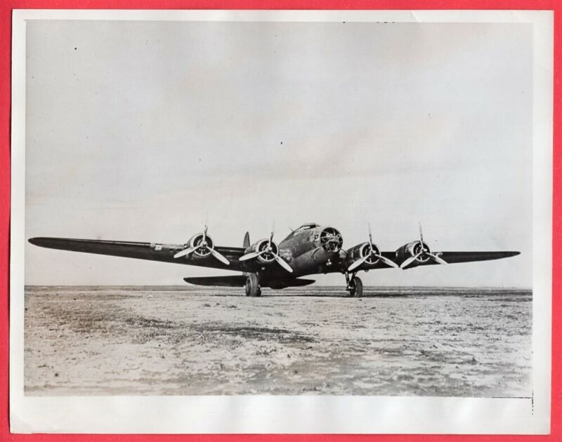 1941 US B-17 Flying Fortress Sent to RAF in England Original News Photo