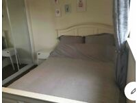 Spacious double room to rent in house in rumney