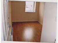 Unfurnished 3 Double-bedroom flat. 9A MacDowall Street Johstone (Preferred first floor).