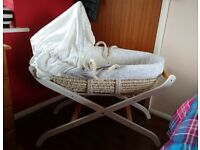 UNISEX moses basket, folding stand, mattress, blanket and 5 fitted sheets.