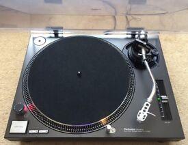 1 X Technics SL-1210 Mk2 Turntable With Original Lid & Stanton Needle