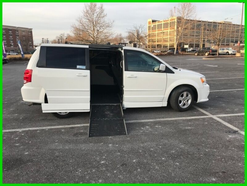 Image 1 Voiture Américaine d'occasion Dodge Grand Caravan 2012