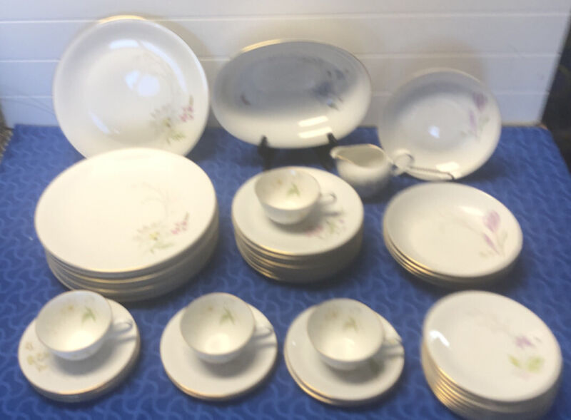 43 Pieces H & C Selb Bavaria Heinrich White China Set Daises & Flowers Germany