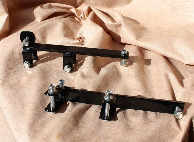 Brand new horse drawn pair of seat brackets owder coated for easy entry carts