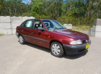 1997 holden astra auto
