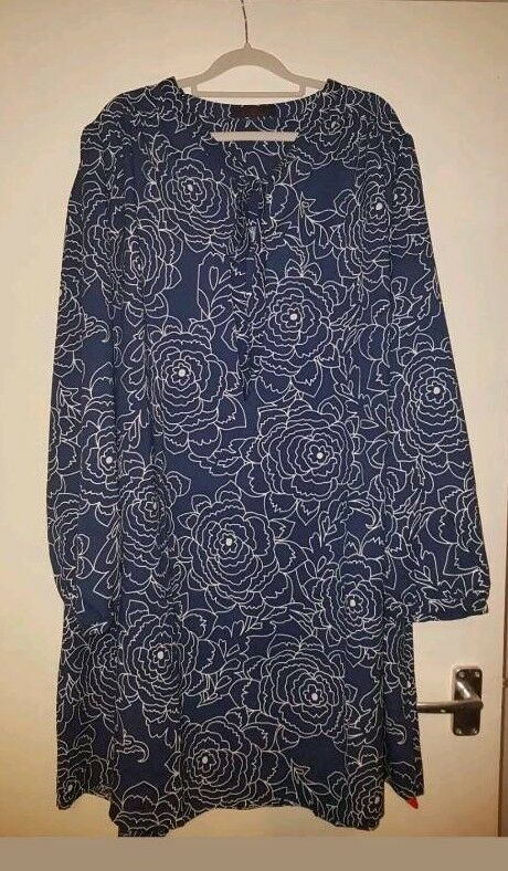 Ladies Neck Tie Dress - So Fabulous - Size 26 - New With Tags
