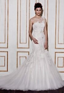 Beautiful New Wedding Dress