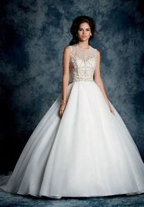 Wedding Gown Alfred Angelo Size 4 NEW PRICE