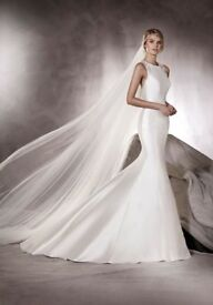 Brand new unworn Pronovias Agnes fish tail wedding dress RRP £2100