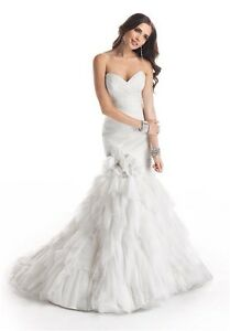 """Maggie Sottero """"Mary"""" wedding gown 700$"""