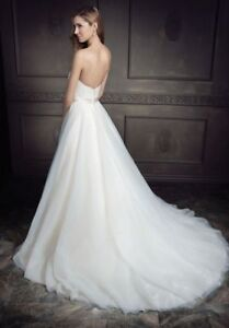 Beautiful and Elegant Wedding Gown