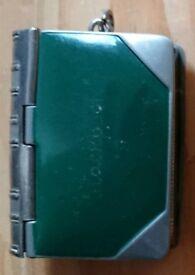 Green enamelled Vesta / Stamp Case