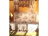 Vintage bedspread, with matching curtains and pelmet