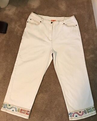 Hearts Of Palm White Jean Crop Sz 12 Embellished Bottoms Medium Snap Button White Hearts Snap