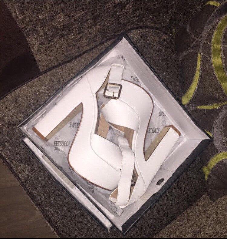 Boxed chunky heels