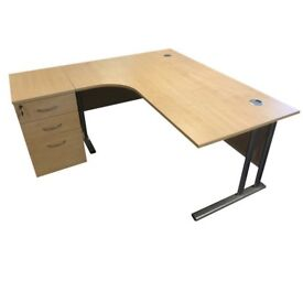 Curved executive desks with or without pedestal. Free fast delivery