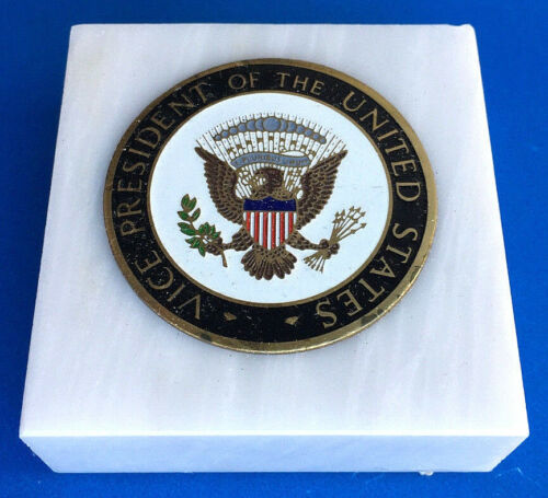 GEORGE BUSH -- VICE PRESIDENTIAL SEAL MARBLE PAPERWEIGHT -- WHITE HOUSE-ISSUE