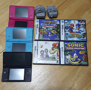 Nintendo DSi Lot! 3 Systems and 4 games Mario, Sonic....