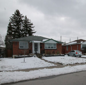 159 East 45th St., Beautiful Bungalow Open House 2-4 Apr 22