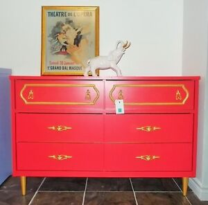 Having a Baby? Need a change table/dresser?