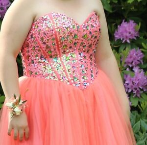 Grad Dress for sale! - Short Graduation Dress, Size 3X!